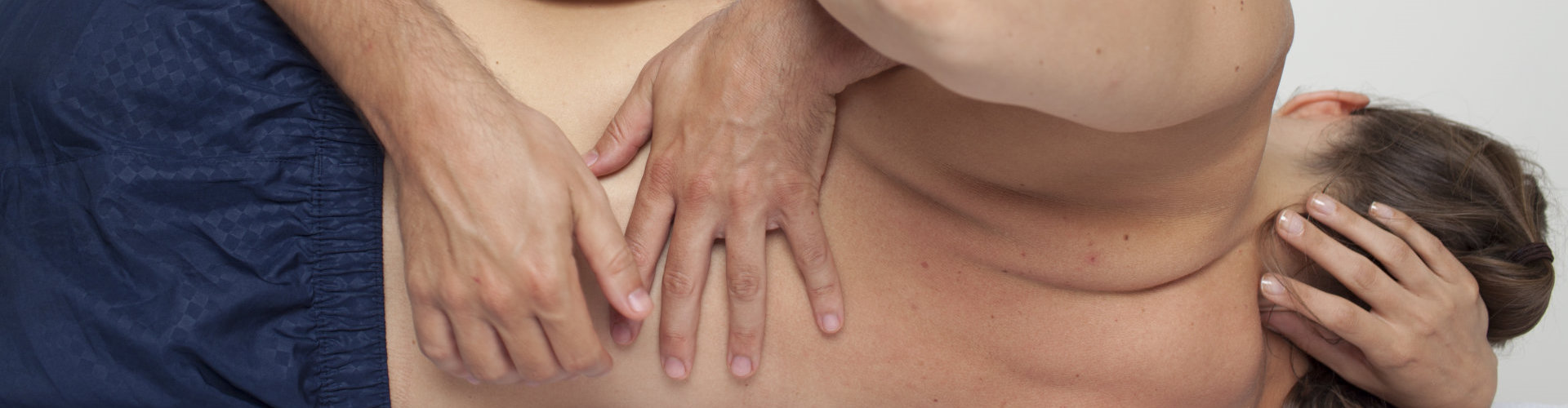therapist doing chiropractic treatment